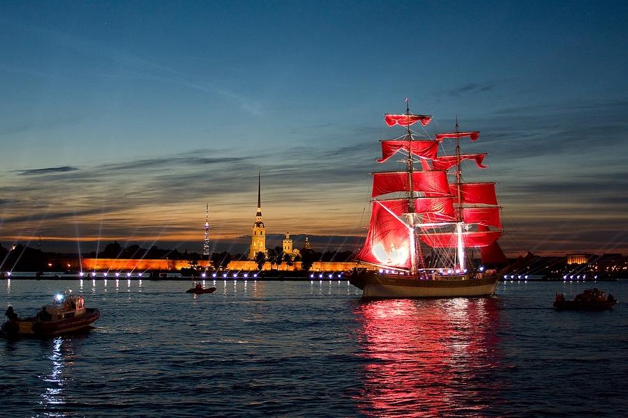 Saison des nuits blanches à Saint-Pétersbourg Russie